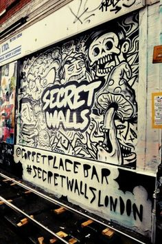 Unkown - street art london shoreditch - bricklane nov 2014 https://www.etsy.com/shop/urbanNYCdesigns?ref=hdr_shop_menu #streetart #graffiti