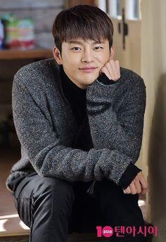 Asian Actors, Korean Actors, Reply 1997, Divas, Seo Kang Jun, Lee Jung Suk, Choi Jin, Seo In Guk, Singing Career