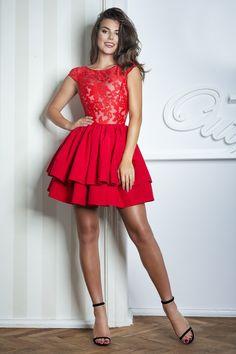 fb47043582 Śliczna czerwona sukienka z tiulu Niezwykła czerwona sukienka z tiulu