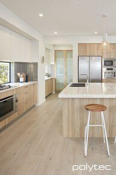 New kitchen white black modern cupboards 47 Ideas Farmhouse Style Kitchen, Modern Farmhouse Kitchens, Home Decor Kitchen, Kitchen Furniture, New Kitchen, Cool Kitchens, Natural Kitchen, Kitchen Ideas, Kitchen White