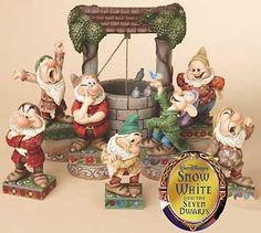 Jim Shore Disney Seven Dwarfs sculpture