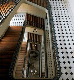 VERSAILLES - The Staircase of Provence, in the south wing, served the apartments of Louis XVI's brother Louis-Stanislas, Comte de Provence (later Louis XVIII), and his Italian wife, the former Maria Giuseppina of Savoy.