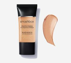 A moisturizing primer cream that gives you an instant magic-hour glow. This satin-smooth formula illuminates, perfects & enhances radiance while hydrating for better makeup application. <br> <br> In a consumer study on 100 women after 1 use: <br> <br> <li>91% said it gave skin a radiant glow <li> 86% said it left skin feeling hydrated all day <br> <br> In a consumer study on 98 women after 1 week of use: <br> <br...