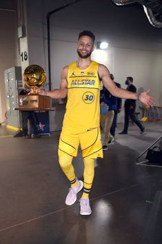 Stephen Curry Pictures and Photos - Getty Images Nba Wallpapers Stephen Curry, Stephen Curry Wallpaper, Stephen Curry Basketball, Nba Stephen Curry, Golden State Warriors, Iphone Wallpaper Vintage Retro, All Star, Wardell Stephen Curry, Stephen Curry Pictures