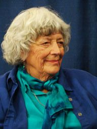 Beautiful interview with Violet Oaklander on Gestalt Play Therapy with Children