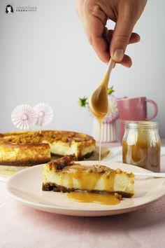 HOORAY: Salted Caramel Cheesecake oder Salzkaramell Käsekuchen   Feierei zu 5 Jahren NOM NOMS food ❤ - NOM NOMS food