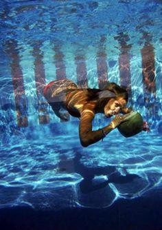 Underwater Drink, Las Brisas Hotel, Acapulco, Mexico - Slim Aarons, 1972