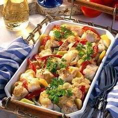Our popular recipe for spicy vegetable and fish casserole and more than other free recipes on LECKER. Spicy Vegetable Fish Casserole Recipe DELICIOUS Colette Kaufmann Essen Our popular recipe for spicy vegetable and fish casserole Radish Recipes, Pork Recipes, Crockpot Recipes, Chicken Recipes, Shrimp Recipes, Fish Casserole, Casserole Recipes, Pork Cooking Temperature, Oven Roasted Salmon