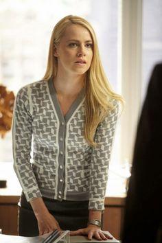 Katrina Bennett (Amanda Schull)