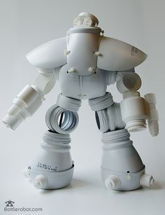 Hello, let me introduce you the White Gunner, the new one that i& just send by mail yesterday. Bottlerobots will spread ev. Recycled Robot, Recycled Crafts, Plastic Bottle Crafts, Recycle Plastic Bottles, Recycling, Diy Upcycling, Recycled Bottles, Art Plastique, Diy Toys