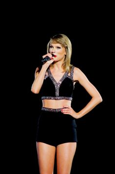 I Knew You Were Trouble and I Wish You Would - Taylor Swift 1989 Tour