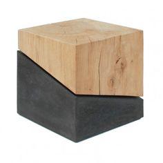 Vario Wood  Die klare und moderne Designsprache in Kombination mit kompromissloser Qualität und perfekter handwerklicher Verarbeitung lässt die Serie Vario zeitlos erscheinen.  Schlichtheit und Kontrast, bestehend aus hartem Sichtbetonund massiven Eichenholz das die reine Natur mit Rissen und Ästen wiederspiegelt. Nutzen Sie die exklusiven Massivholz-Varios als Beistelltisch, Hocker oder als schön anzusehendes Natur-Objekt im Raum!