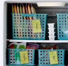 Whose freezer is this organized? I want my freezer to look like this! Freezer organization (this is gorgeous and I quite desire it) Organisation Hacks, Freezer Organization, Organizing Hacks, Freezer Storage, Diy Hacks, Kitchen Organization, Kitchen Storage, Storage Spaces, Organize Freezer