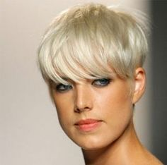 Hübscher Hairstyle für den Herbst! Mit diesem Look siehst Du im Herbst großartig aus! Heiß!