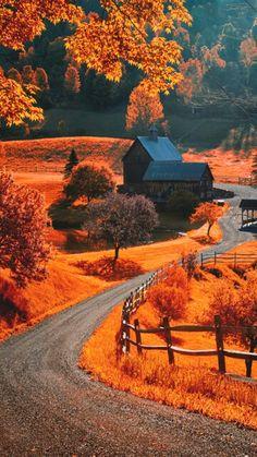 The world famous Sleepy Hollow farm near Woodstock, Vermont. Photo by Allard Schager Beautiful World, Beautiful Places, Beautiful Pictures, Simply Beautiful, Fotografia Macro, Autumn Scenes, All Nature, Amazing Nature, Fall Pictures