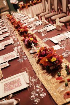 目黒雅叙園様へ、10月最後の秋の装花です。   お打合せにいらしたお二人が  ゲストの方をおもてなししたいと、    一生懸命考...