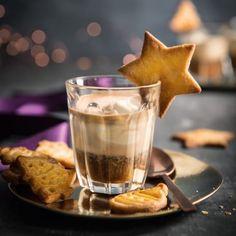 Espresso met vanillemascarpone favorable buying at our shop recept Hot Chocolate Espresso, Christmas Food Treats, Christmas Coffee, Christmas Drinks, Xmas, Special Recipes, Coffee Cafe, Coffee Recipes, C'est Bon