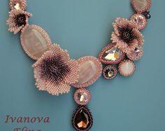 Beaded Flower necklace October exclusive door Elinawonderland