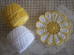 (無料編み図)嫌な水滴を取ってくれるコースター作り | Handful Free Crochet Doily Patterns, Crochet Earrings Pattern, Crochet Snowflake Pattern, Crochet Flower Tutorial, Crochet Instructions, Crochet Mandala, Crochet Motif, Crochet Flowers, Thread Crochet