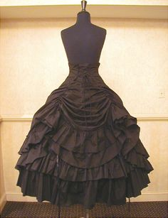 I love the look of this skirt so much but its almost too princessy. the hieght on the waist would really help keep the kirt in place under the corset though and am considering this as a safety measure to keep wardrobe malfunction minimum