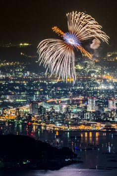 Spectacular fireworks display in Japan