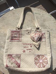 Bolsa com bordado francês