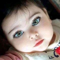 Cuteness is the world Cute Baby Boy Photos, Cute Little Baby Girl, Beautiful Little Girls, Baby Kind, Pretty Baby, Beautiful Children, Beautiful Babies, Beautiful Eyes, Green Eyed Baby