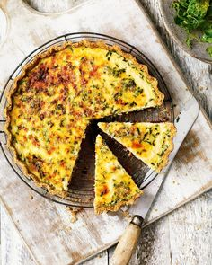 Use leftover cheese and chutney in this wonderfully indulgent cheese tart recipe. Use any cheese; from stilton to a crumbly goat's cheese, anything goes Vegetarian Tart, Vegetarian Dinners, Vegetarian Recipes, Veggie Meals, Plum Chutney, Ginger Chutney, Leftover Cheese Recipe, Tart Recipes, Cooking Recipes