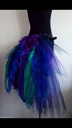 no link just picture. diy tulle & feather peacock tutu