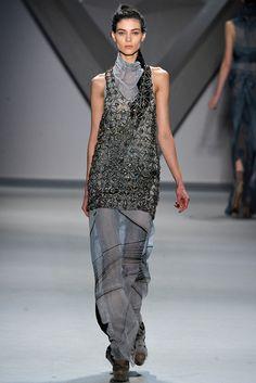 Vera Wang Fall 2012 Ready-to-Wear Fashion Show - Kati Nescher
