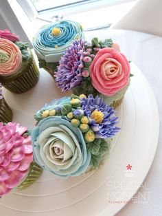 +Greentea flower buttercream cupcake for my birthday cake/cupcake decoration/beautiful cupcake...made by SPECIAL MOMENT