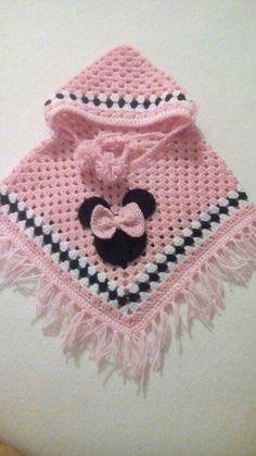 baby poncho Crochet poncho baby ideas Ideas for 2019 Crochet Baby Poncho, Crochet Baby Sweaters, Crochet Poncho Patterns, Baby Girl Crochet, Crochet Baby Clothes, Baby Knitting Patterns, Crochet Shawl, Baby Patterns, Knit Crochet