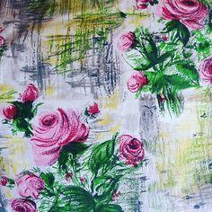 SOLD Beautiful 1950s Toile des Flandres 60 cm x 220 cm £24 plus p&p #vintagefabrics #tissuancien #fabricaddict #fabricstash #shabbyrose #shabbyfloral #frenchvintagefabrics #frenchflorals #toiledesflandres #vintage #vintagelove