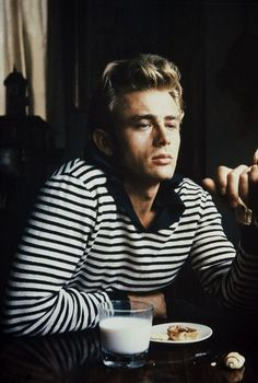 """menofhabit: """" My favorite photo of James Dean. That shirt looks like it could be right out of a Bastian collection. """" Or a Bastian collection looks like it could be right out of a James Dean photo. Audrey Hepburn, Beautiful Men, Beautiful People, Hello Gorgeous, Breton Stripes, Famous Faces, Belle Photo, Classic Hollywood, Hollywood Men"""