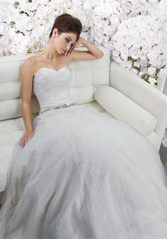 Bewitching Sweetheart Beads Working Tulle Satin Wedding Dresses