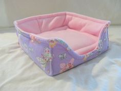 Jen's Custom Crafts has attractive and innovative items for your guinea pig's comfort.