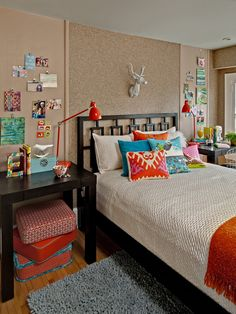 Cork Wall, Photo Wall, Table/Desk/Night Stands, Desk Lamps/Reading Lights, Floor Cushions, Simple, Texture, Color Pops, Throw Pillows, Teen Bedroom Design, Pictures, Remodel, Decor and Ideas - page 6