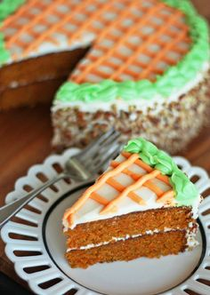 Do you ever crave a slice of carrot cake like the one Grandma used to make when you were little? You're in luck, because we've just found a recipe for the Best Ever Classic Carrot Cake. This carrot cake recipe is everything a dessert should be. Easter Cake Easy, Easy Carrot Cake, Carrot Cakes, Cake Recipes, Dessert Recipes, Dessert Ideas, Sweet Spice, Easter Recipes, Easter Desserts