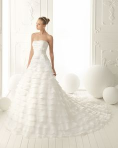 129 Verona - Aire Vintage (Aire Barcelona) 💟$388.99 from http://www.www.toutrobes.fr   #barcelona) #bridalgown #bridal #mywedding #aire #weddingdress #(aire #vintage #wedding #verona
