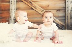 Child Photography, 6 Month old twins - www.sparkcreativeblog.com