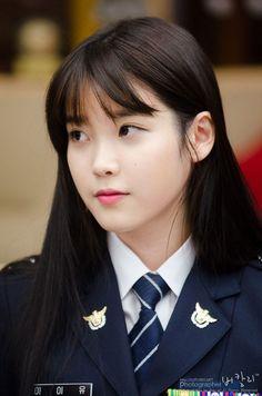 Top 10 Most Beautiful Korean Actresses Beautiful Japanese Girl, Beautiful Asian Women, Korean Beauty, Asian Beauty, Female Soldier, Military Women, Girls Uniforms, Korean Actresses, Beauty Full Girl