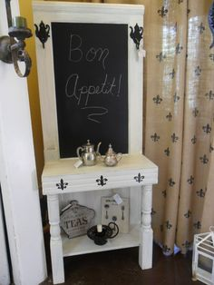 Chalkboard hall stand, another great door idea! Old Door Projects, Furniture Projects, Panel Doors, Windows And Doors, Repurposed Furniture, Painted Furniture, Recycled Door, Hall Stand, Garage Sale Finds