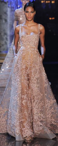 Elie Saab Fall-winter Scattered with Rose Gold Sequins. (Click through to see a video of the Elie Saab fashion show. Evening Dresses, Prom Dresses, Formal Dresses, Wedding Dresses, Dress Prom, Square Wedding Dress, Club Dresses, Style Couture, Couture Fashion