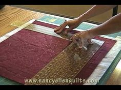 Pinner sais How to square up a quilt--this has a series of videos on making a tee shirt quilt Quilting Blogs, Quilting Tutorials, Quilting Projects, Sewing Tutorials, Sewing Projects, Sewing Tips, Patch Quilt, Quilt Blocks, Donia