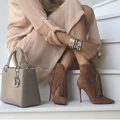 """1,530 Likes, 8 Comments - Chique__lifestyle (@chique__lifestyle) on Instagram: """"@best__outfits__ by @upcloseandstylish"""""""