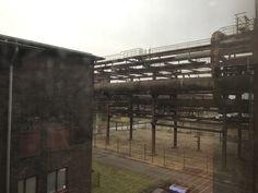 Der Blick aus dem Fenster - wir sind mittendrin statt nur dabei auf Zollverein.
