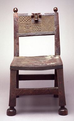 Chief's chair (Citwamo Tsha Mangu) by century. A work from the collections of the de Young and Legion of Honor museums of San Francisco, CA. African Crafts, African Home Decor, Bench Stool, Wood Stool, African Furniture, Art Premier, Africa Art, Global Art, Chair Design