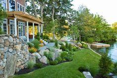 aménager jardin pente graminées-grandes-pierres