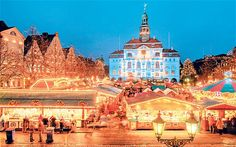 40) Going to the Christmas Market in Krakow to buy gifts and mulled wine