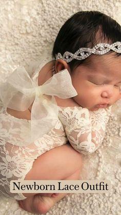 Baby Girl Pictures, Newborn Baby Photos, Cute Baby Pictures, Newborn Pictures, Baby Girl Newborn, Newborn Picture Outfits, Baby Girl Poses, Baby Girls, Newborn Baby Photography